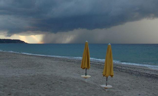 Ciclone Circe in arrivo in Italia | Ma al Sud temperature fino a 43 gradi !