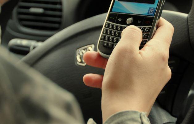 patente sospesa per cellulare alla guida
