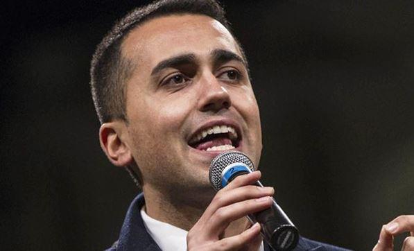 di maio accetta candidatura premier