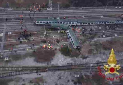"""Treno deragliato: Trenord si scusa per il tweet """"Ci scusiamo per il termine non appropriato"""""""