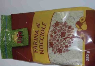Aflatossine (sono cancerogene) nella farina di nocciole | Scatta il ritiro dai centri commerciali