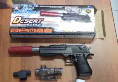 Pistola giocattolo ritirata dal commercio italiano | Ecco il modello e i motivi del ritiro