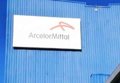 ArcelorMittal e Ilva, la storia di un disastro economico mentre nessuno parla di salute e alternative per Taranto